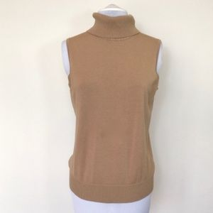 Cable & Gauge tan sleeveless turtleneck